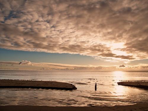 ocean autumn light sky cloud west beach nature clouds canon landscape coast marine raw view sweden marin schweden natur shoreline calm shore sverige scandinavia moln halland ljus falkenberg västkusten g10 skrea skreastrand