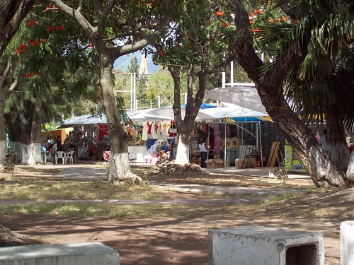 Outside view of the Chapala Lakeside market