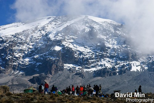 Kilimanjaro, Tanzania - Tribute to the Kilimanjaro Porters by GlobeTrotter 2000