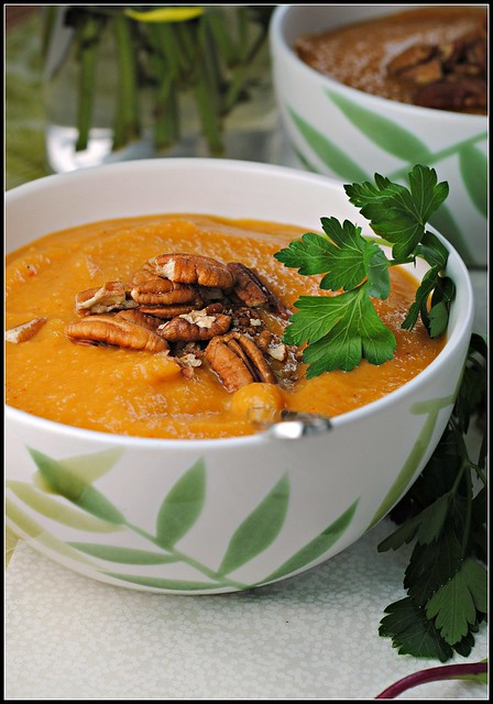 sweetpotatoapplechipotlesoup2