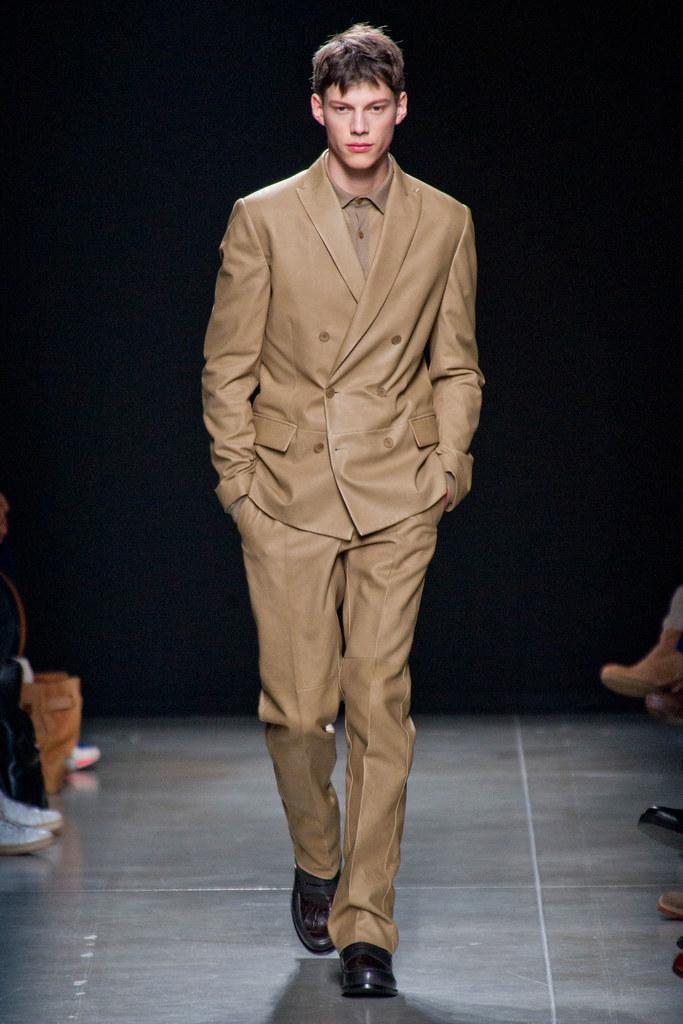 FW13 Milan Bottega Veneta121_Nemanja Maksic(fashionising.com)