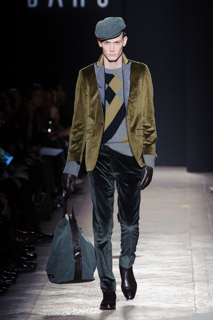 FW13 Milan Daks015_Malcolm De Ruiter(fashionising.com)