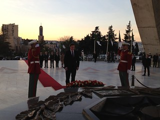 PM lays a wreath at Martyrs Monument in Algiers