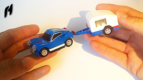 How to Build a Small Blue Car with Caravan (MOC)