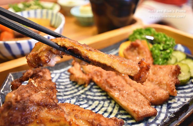 台中武褐手打排骨日式定食便當10
