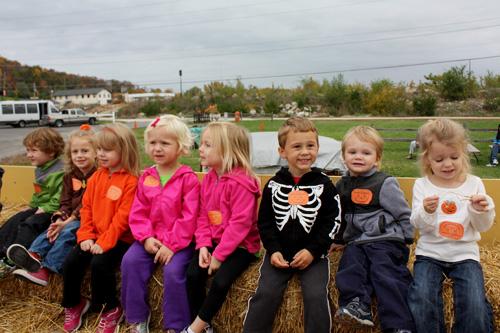 Kids-on-hay-ride