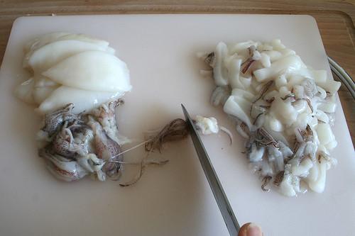 20 - Fangarme zerkleinern / Cut tentacles