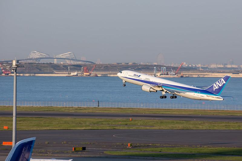 Boeing767-300ER(HANEDA,TOKYO)