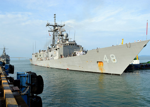 USS Vandegrift Uncover Illegal Narcotics; Smugglers
