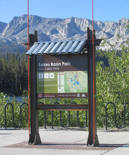 A total of 125 wayfinding signs and 16 interpretive exhibits were installed along various Mammoth Lakes paths and trails using Forest Service Recovery Act funding. US Forest Service photo.