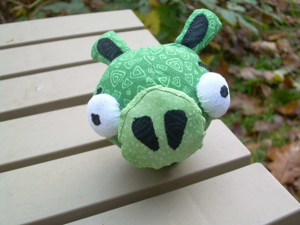 Baby Pig Pincushion - Angry Birds