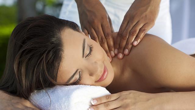 Yaksheeta Beauty parlour Deep Tissue Massage chennai Foot Reflexology
