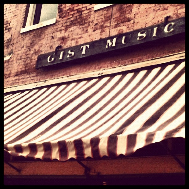 Gist Music in Helena, Arkansas | PopArtichoke