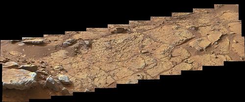 CURIOSITY sol 153 MastCam right 10000 x 4174 pixel - drill target John Klein
