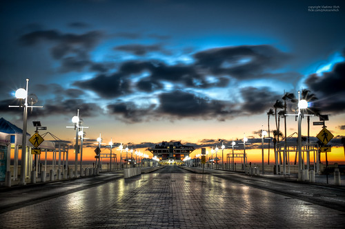 road street morning brick gulfofmexico water clouds sunrise stpetersburg outdoors dawn pier nikon wind tampabay florida streetlights 28mm ngc perspective scenic hdr linearperspective pinellascounty photomatix nikor centralperspective stpetepier d5000