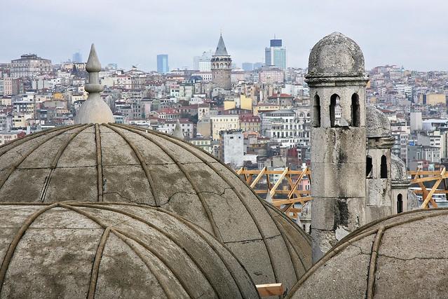 View from the Suleymaniye Mosque, Istanbul, Turkey イスタンブール、スレイマニエ・モスクからの眺め