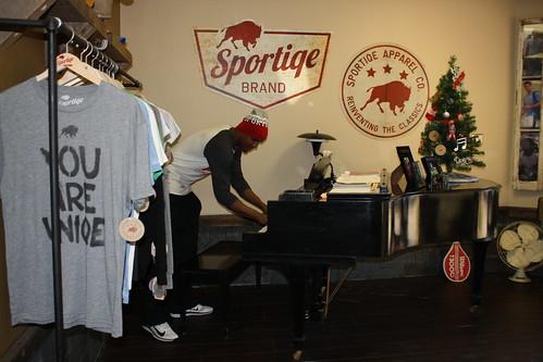 Keenan Davis - NFL Draft Prospect Has Piano Skills