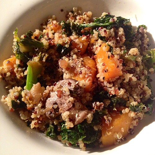 Quinoa salad with kale, onions, and crimini mushrooms. #meatlessmonday