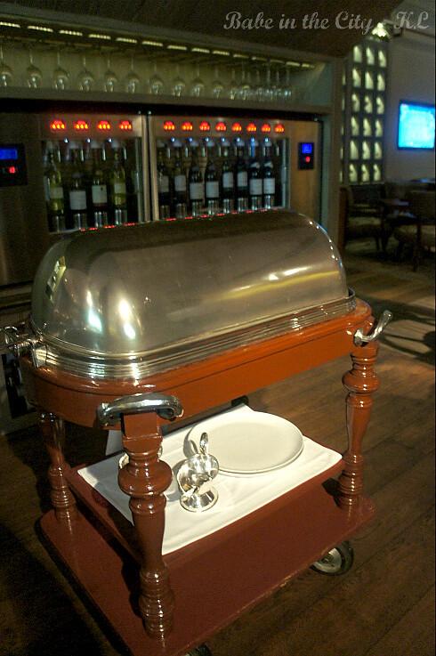 Arthur's Bar & Grill 09