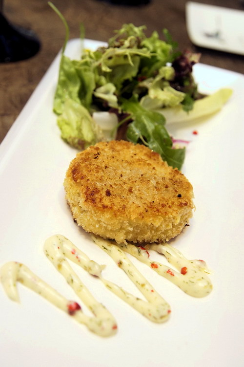 New Orleans JAZZ LIVE New Orleans Bar & Grill Sunway Resort Hotel & Spa Crab Cakes