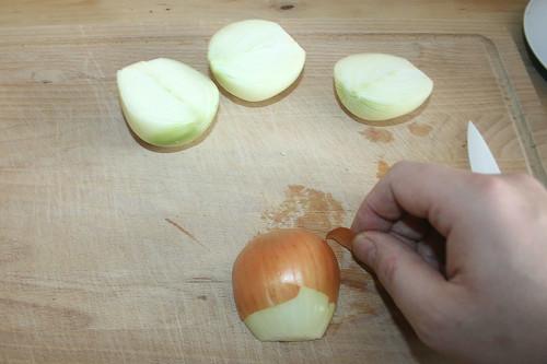 16 - Zwiebel schälen / Peel onions