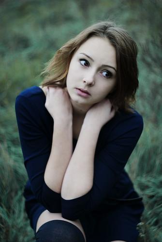 [フリー画像素材] 人物, 女性, 人物 - 草原, ウクライナ人 ID:201210260800
