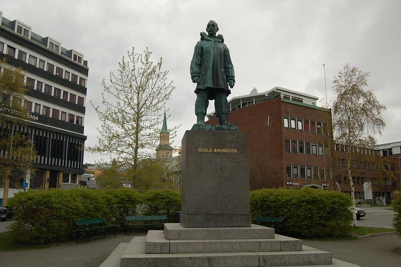 Tromso - Roald Amundsen statue