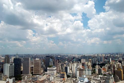 Blick von der Besucherterrasse über das Häusermeer von Sao Paolo