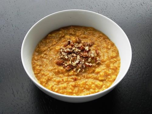 Creamy Pumpkin-Pecan Oatmeal