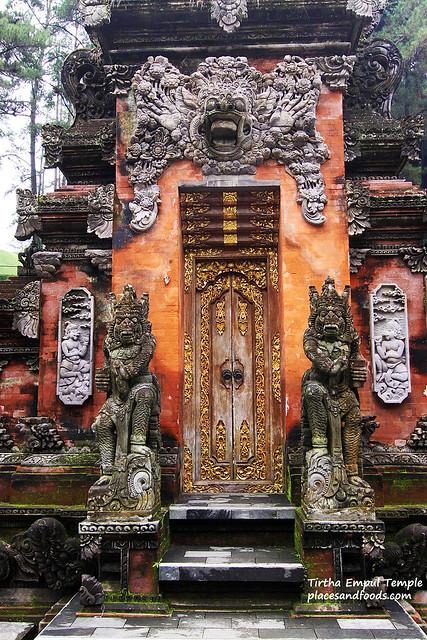 Tirtha Empul Temple door