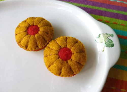 Felt play food - Jam biscuits
