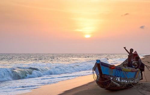 ocean africa sunset beach colors kids canon children 50mm waves ghana afrika presentation ef50mmf18ii voltaregion dzita eos550d rebelt2i