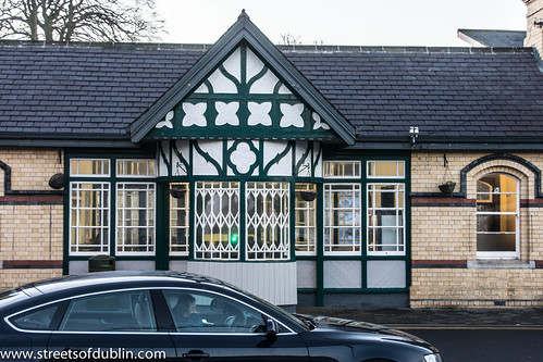 "Malahide Railway Station (or should I say ""Train station""?) by infomatique"