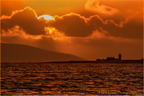 sunset sky sun lighthouse galway water bay galwaybay ballyloughane canon2xextender canon7020028lis muttonisland canon60d renmore mickbourke ballyloughanebeach muttonislandlighthouse
