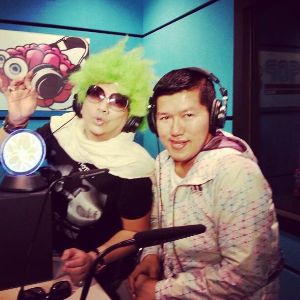 Budiey & DJ Adik. Ok korang dengar skrg di www.klpop.my atau donlod aplikasi 1MalaysiaTV KL POP RADIO di Android & Apps Store