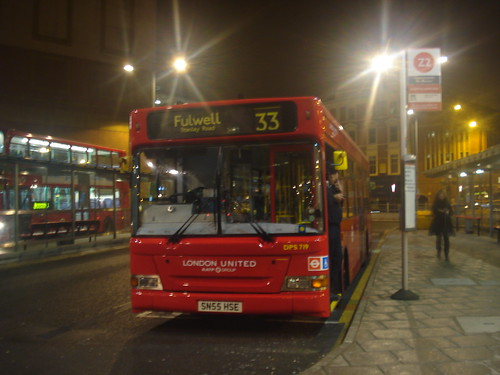 London United DPS719 on Route 33, Hammersmith