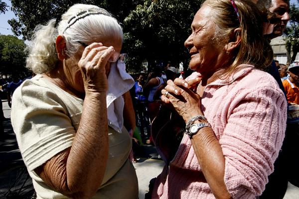 Familiares de los muertos y heridos en Uribana.