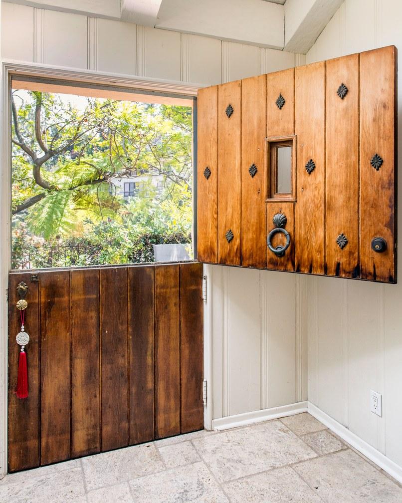 Двери в стиле ранчо