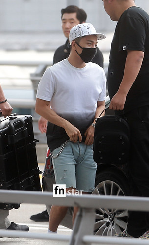 BIGBANG Incheon Airport to Shanghai Press 2015-06-19 070