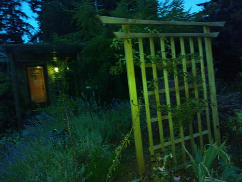 Japanese Shinto style fence, Seattle, Washington, USA by Wonderlane