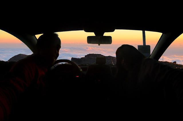 Coche de alquiler en La Palma con vistas desde el Roque de los Muchachos