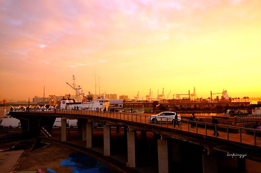 高雄市區走拍 <真愛碼頭、愛河、路邊>