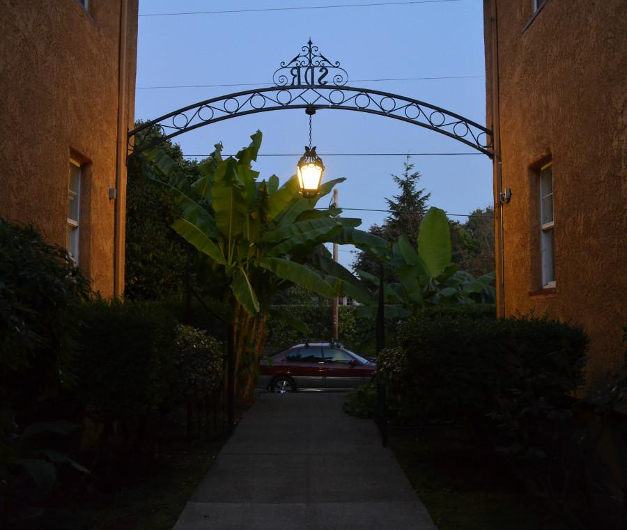 DSC_0396_entrance_cropped