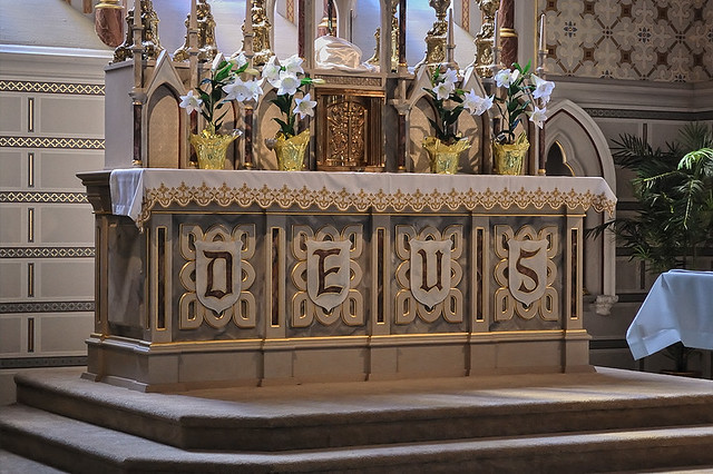 Old Saint Vincent Catholic Church, in Cape Girardeau, Missouri, USA - altar