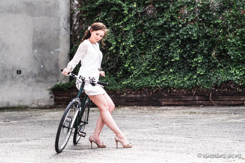 Ein grün-weißes Fahrrad