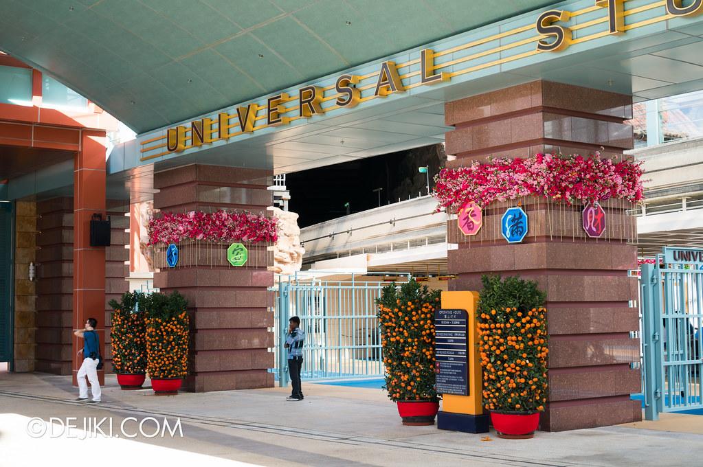 Universal Studios Singapore - Park Entrance Chinese New Year decor