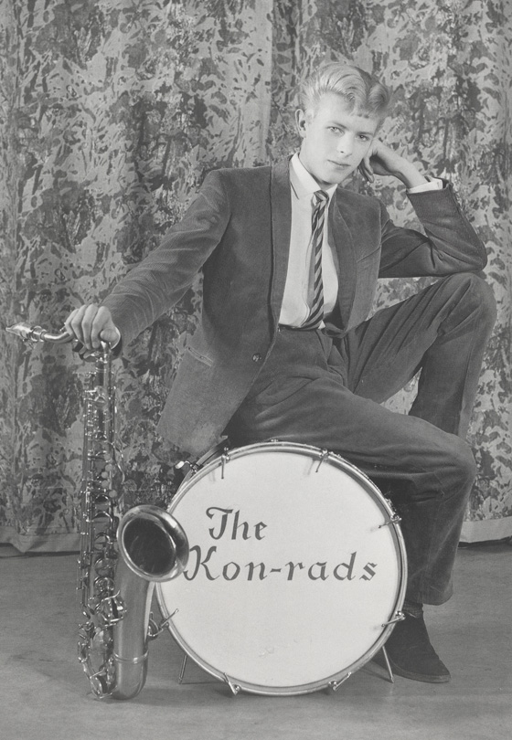 Promotional shoot for The Kon rads, 1963. Photo by Roy Ainsworth. Courtesy of the David Bowie Archive 2012. © VA Images