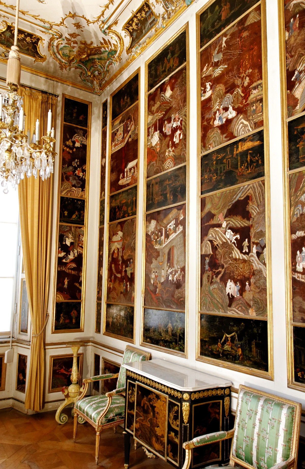 The Cabinet of chinoiserie. Nymphenburg Palace, Munich, Germany. Credit Yelkrokoyade