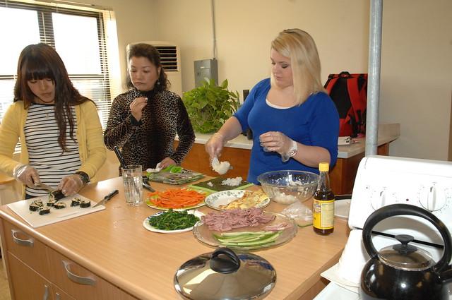 "ACS ""Fun & Easy Korean Cooking Class"" – U.S.Army Garrison Humphreys – 31 October 2012"