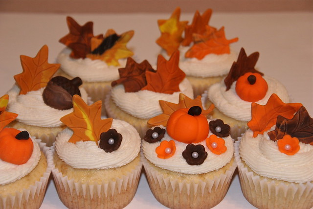 Fall Cupcakes   Flickr - Photo Sharing!